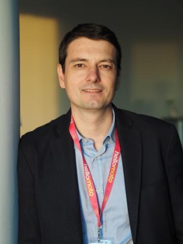 Motorola și lupta de a fi relevant într-o industrie dominată de giganți. Interviu cu Răzvan Sturza, Country Lead al Motorola România