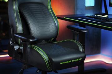 REVIEW Razer Iskur – Scaunul de gaming care îți salvează spatele