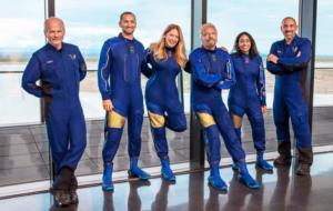 """Bătălia pentru trofeul """"primului miliardar în spațiu"""": Richard Branson vrea să ajungă înaintea lui Jeff Bezos"""