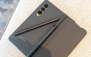 S Pen Fold Edition nu funcționează pe telefoanele Galaxy care nu se pliază