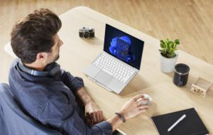 Razer lansează două noi laptopuri de gaming cu Windows 11 preinstalat