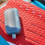 Bose a lansat o boxă pe care o poți arunca în piscină
